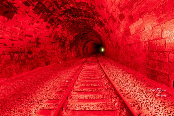 Hirsauer Tunnel in rot